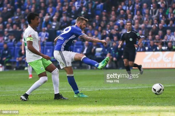 Guido Burgstaller of Schalke scores a goal to make it 40 during the Bundesliga match between FC Schalke 04 and VfL Wolfsburg at VeltinsArena on April...