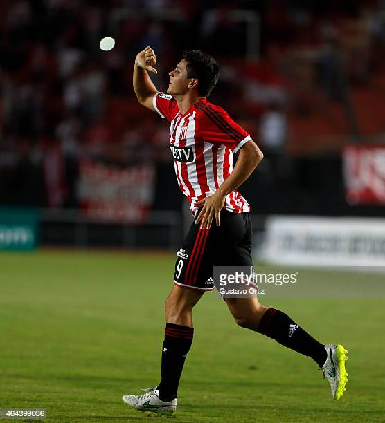 Guido Carrillo of Estudiantes celebrates after scoring the first goal of his team during a match between Estudiantes and Barcelona as part of Copa...
