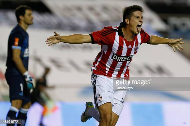 Guido Carrillo of Estudiantes celebrates after scoring the first goal of his team during a match between Racing Club and Estudiantes as part of 11th...