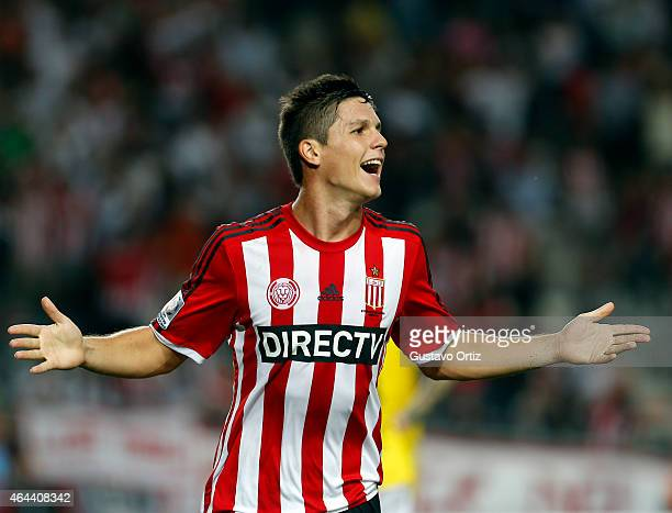 Guido Carrillo of Estudiantes celebrates after scoring the third goal of his team during a match between Estudiantes and Barcelona as part of Copa...