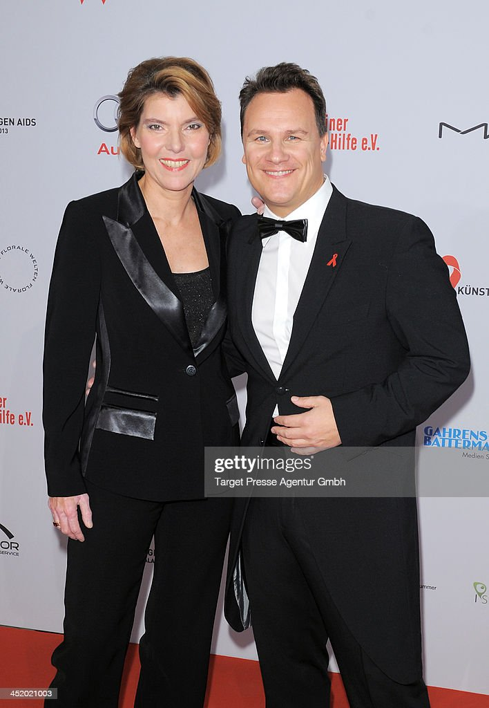 artists against aids gala 2013 getty images. Black Bedroom Furniture Sets. Home Design Ideas
