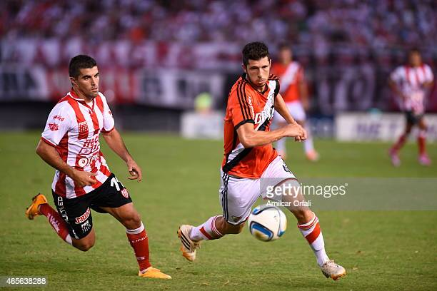 Guido Rodriguez of River runs for the ball during a match between River Plate and Union Santa Fe as part of fourth round of Torneo Primera Division...