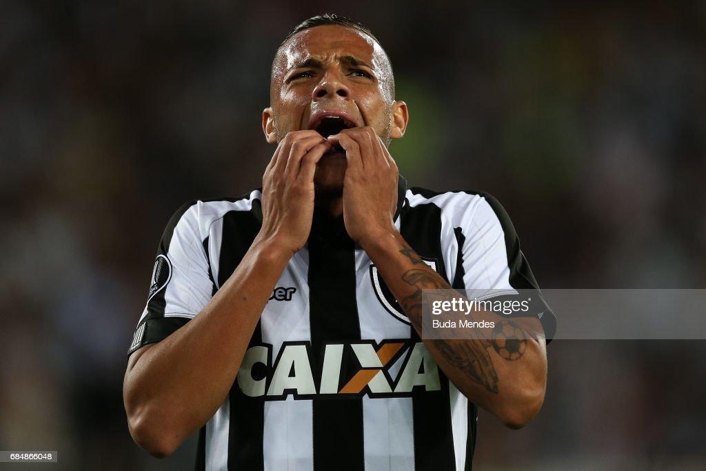 Guilherme of Botafogo laments a lost goal during a match between Botafogo and Atletico Nacional as part of Copa Bridgestone Libertadores 2017 at Nilton Santos Olympic Stadium on May 18, 2017 in Rio de Janeiro, Brazil.