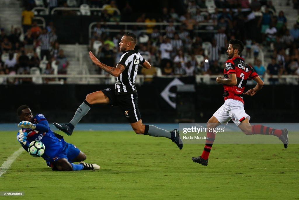 Botafogo v Atletico GO - Brasileirao Series A 2017