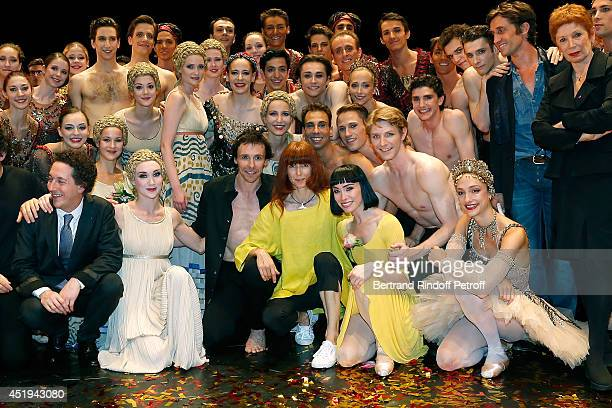 Guillaume Gallienne Nicolas Le Riche Sylvie Guillem on the bottom row pose with Paris Opera ballet dancers pose on stage after Nicolas Le Riche's...