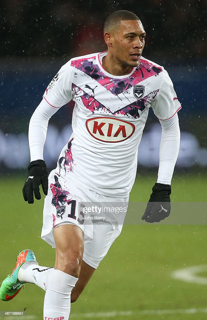 <a gi-track='captionPersonalityLinkClicked' href=/galleries/search?phrase=Guillaume+Hoarau&family=editorial&specificpeople=5223496 ng-click='$event.stopPropagation()'>Guillaume Hoarau</a> of Bordeaux in action during the Ligue 1 match between Paris Saint-Germain FC and FC Girondins de Bordeaux at the Parc des Princes stadium on January 31, 2014 in Paris, France.