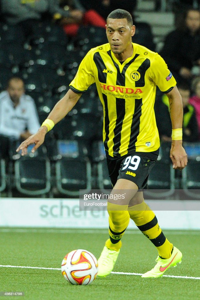 <a gi-track='captionPersonalityLinkClicked' href=/galleries/search?phrase=Guillaume+Hoarau&family=editorial&specificpeople=5223496 ng-click='$event.stopPropagation()'>Guillaume Hoarau</a> of BSC Young Boys in action during the UEFA Europa League match between BSC Young Boys and SK Slovan Bratislava at the Stade de Suisse on September 18, 2014 in Bern, Switzerland.