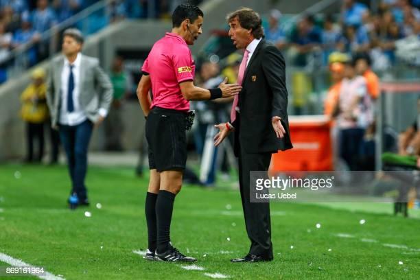 Guillermo Almada coach of Barcelona de Guayaquil during Gremio v Barcelona de Guayaquil match part of Copa Bridgestone Libertadores 2017 SemiFinals...