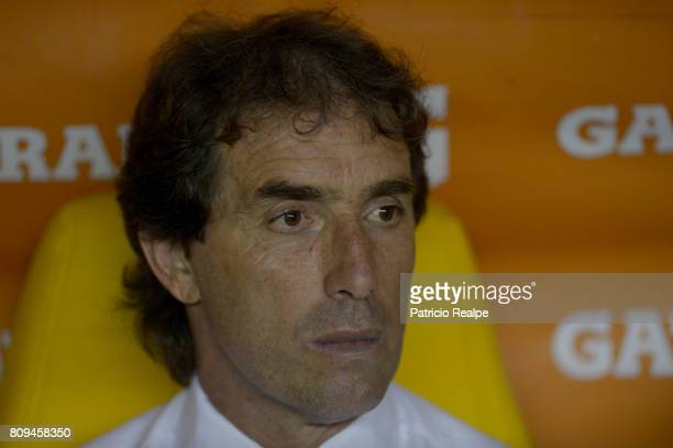 Guillermo Almada coach of Barcelona looks on during a first leg match between Barcelona SC and Palmeiras as part of round of 16 of Copa CONMEBOL...