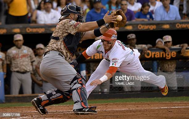 Guillermo Antonio Quiroz of Mexico slides safe on home base against Venezuela during their 2016 Caribbean baseball series game on February 7 2016 in...