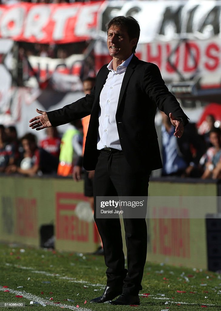 Guillermo Barros Schelotto, coach of Boca Juniors, complains during a match between River Plate and Boca Juniors as part of sixth round of Torneo Transicion 2016 at Monumental Antonio Vespucio Liberti Stadium on March 06, 2016 in Buenos Aires, Argentina.