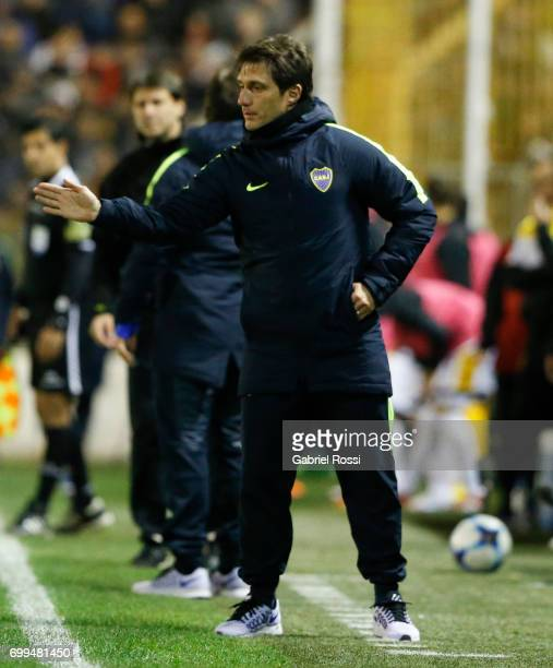 Guillermo Barros Schelotto coach of Boca Juniors gives instructions to his players during a match between Olimpo and Boca Juniors as part of Torneo...