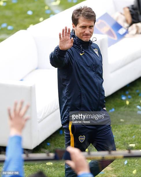 Guillermo Barros Schelotto coach of Boca Juniors greets fans during Boca Juniors team presentation at Alberto J Armando Stadium on August 19 2016 in...