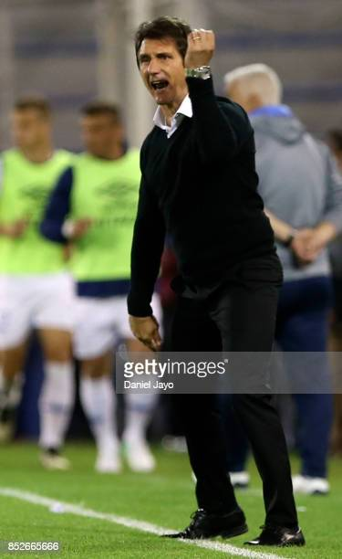 Guillermo Barros Schelotto coach of Boca Juniors reacts during a match between Velez Sarsfield and Boca Juniors as part of the Superliga 2017/18 at...