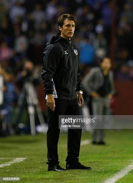 Guillermo Barros Schelotto head coach of Lanus looks on during a match between Lanus and River Plate as part of ninth round of Torneo de Transicion...