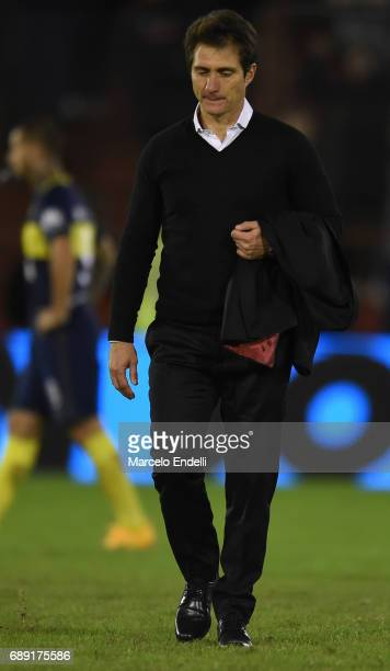 Guillermo Barros Schelotto of Boca Juniors is sent off the field with a red card during a match between Huracan and Boca Juniors as part of Torneo...