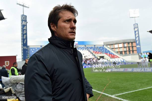 Guillermo Barros Schelotto of Palermo looks on during the Serie A match between US Sassuolo Calcio and US Citta di Palermo at Mapei Stadium Città del...