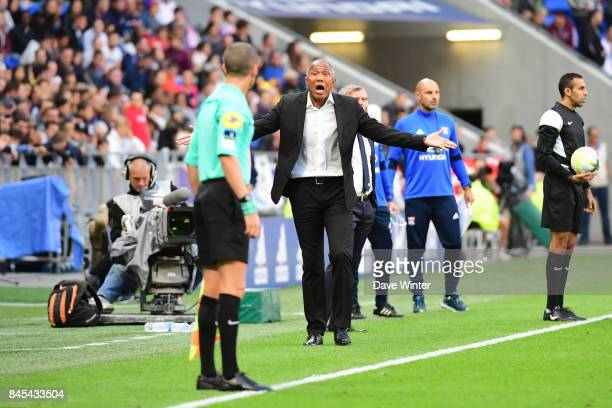 Guingamp coach Antoine Kombouare appeals to the assistant referee during the Ligue 1 match between Olympique Lyonnais and EA Guingamp at Parc...