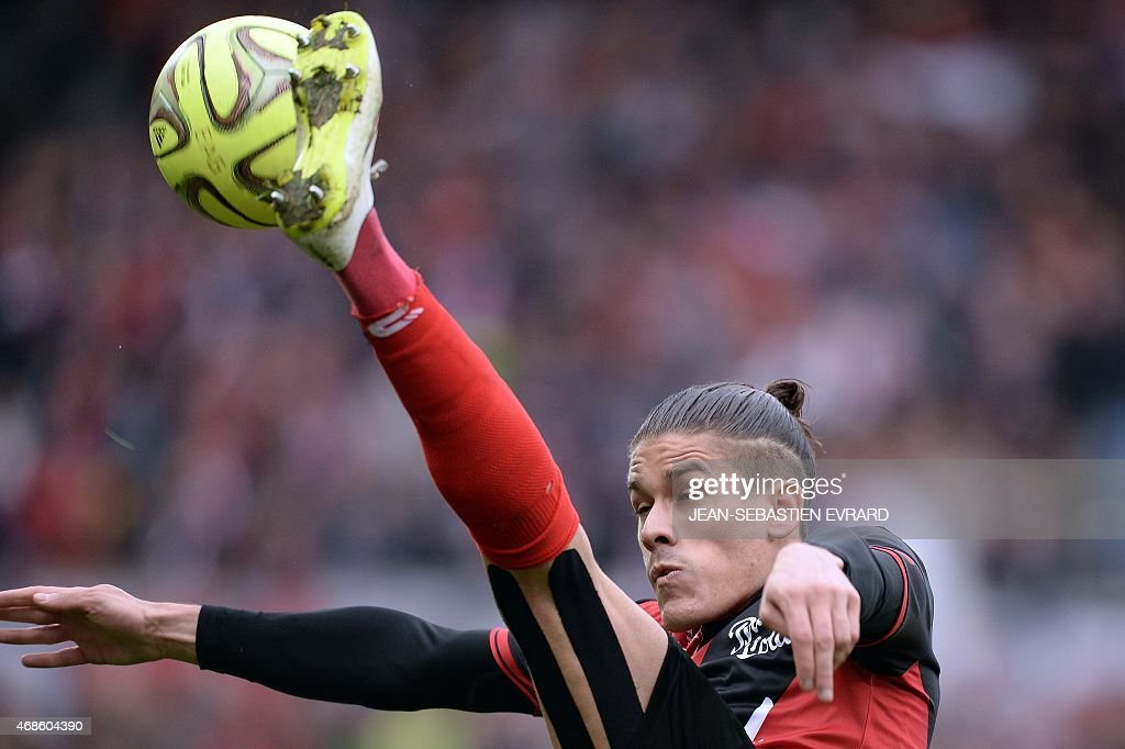 Guingamp's French defender Dorian Leveque controls the ball during the French L1 football match between Guingamp and Lyon on April 4, 2015 at the Roudourou stadium in Guingamp, western of France.
