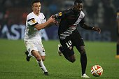 Guingamp's Younousse Sankharé and Paok's Ergys Kace vies for the ball during the UEFA Europa League group stage football match PAOK FC Thessaloniki...