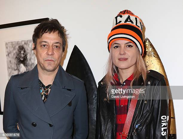 Guitarist Jamie Hince and singer Alison Mosshart of The Kills attend Artists with Animals at RonRobinson on November 29 2016 in Santa Monica...