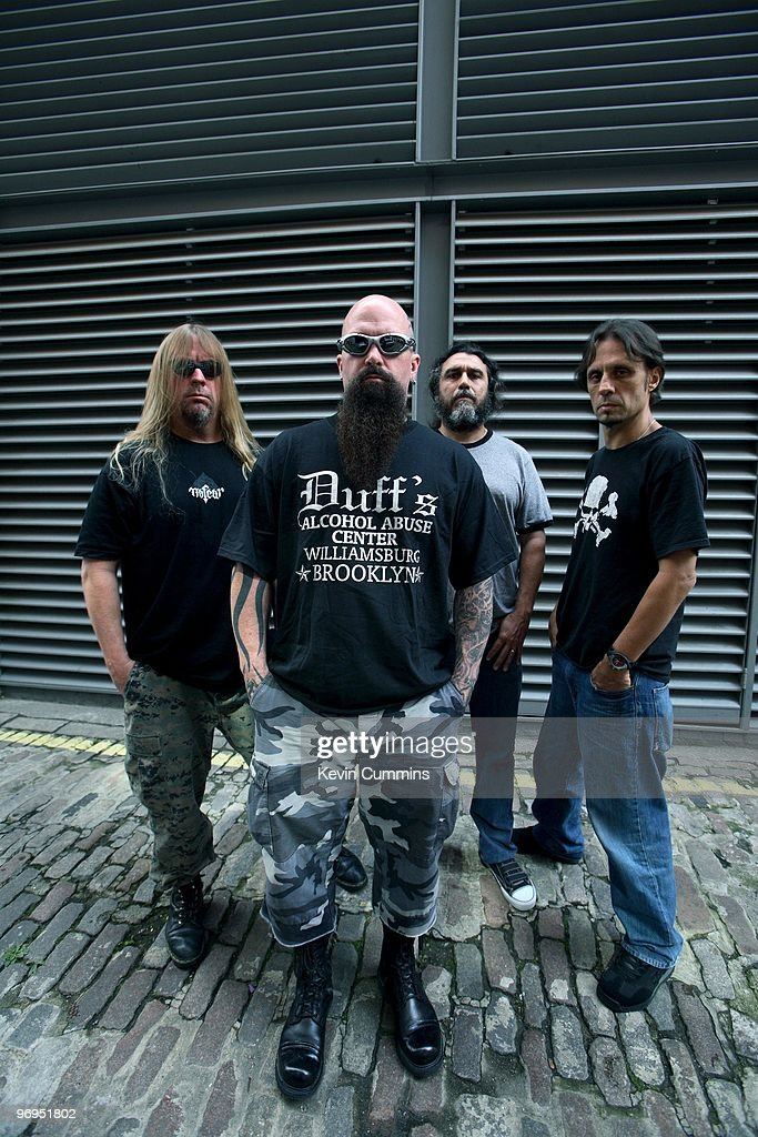 Guitarist <a gi-track='captionPersonalityLinkClicked' href=/galleries/search?phrase=Jeff+Hanneman&family=editorial&specificpeople=858409 ng-click='$event.stopPropagation()'>Jeff Hanneman</a>, <a gi-track='captionPersonalityLinkClicked' href=/galleries/search?phrase=Kerry+King&family=editorial&specificpeople=236089 ng-click='$event.stopPropagation()'>Kerry King</a>, bassist and singer <a gi-track='captionPersonalityLinkClicked' href=/galleries/search?phrase=Tom+Araya&family=editorial&specificpeople=235893 ng-click='$event.stopPropagation()'>Tom Araya</a> and drummer Dave Lombardo of American rock band Slayer in London, England on August 24, 2006.