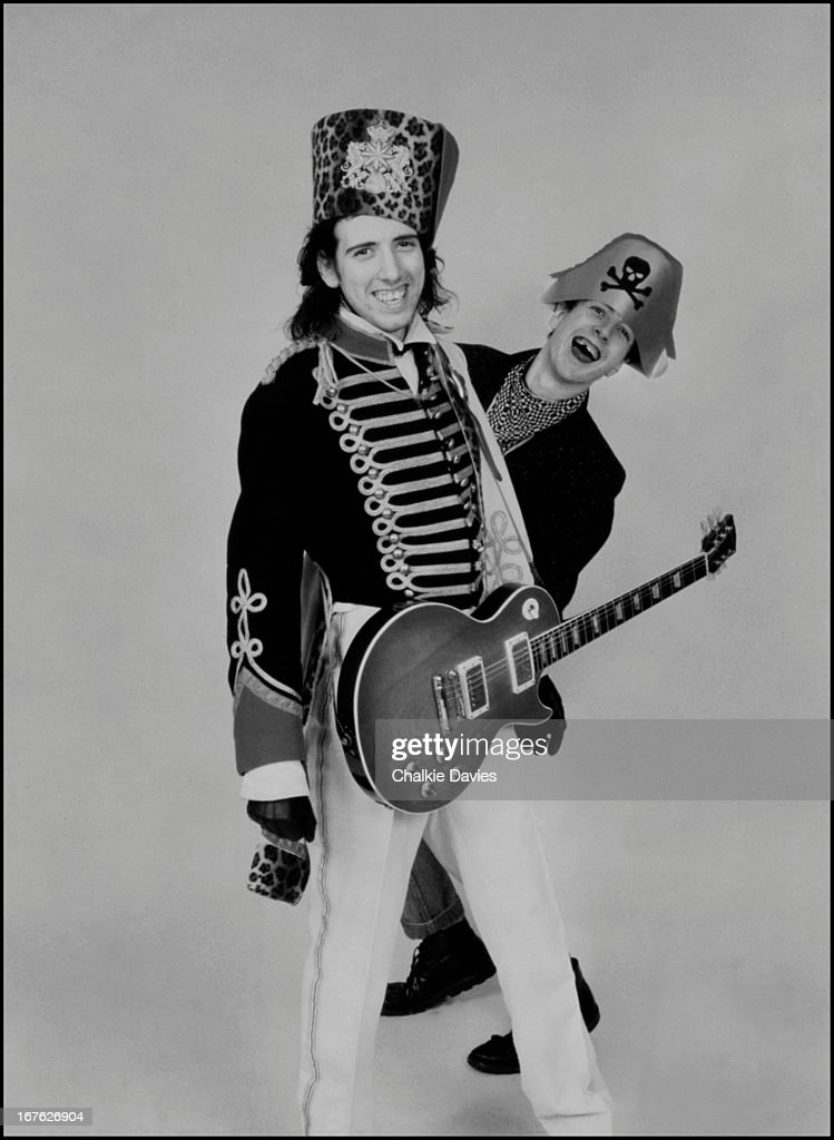 Guitarist <a gi-track='captionPersonalityLinkClicked' href=/galleries/search?phrase=Mick+Jones+-+Musician+-+The+Clash&family=editorial&specificpeople=212985 ng-click='$event.stopPropagation()'>Mick Jones</a> (left) and singer<a gi-track='captionPersonalityLinkClicked' href=/galleries/search?phrase=Joe+Strummer&family=editorial&specificpeople=226957 ng-click='$event.stopPropagation()'>Joe Strummer</a> (1952 - 2002), of English punk rock group The Clash, London, 1979.