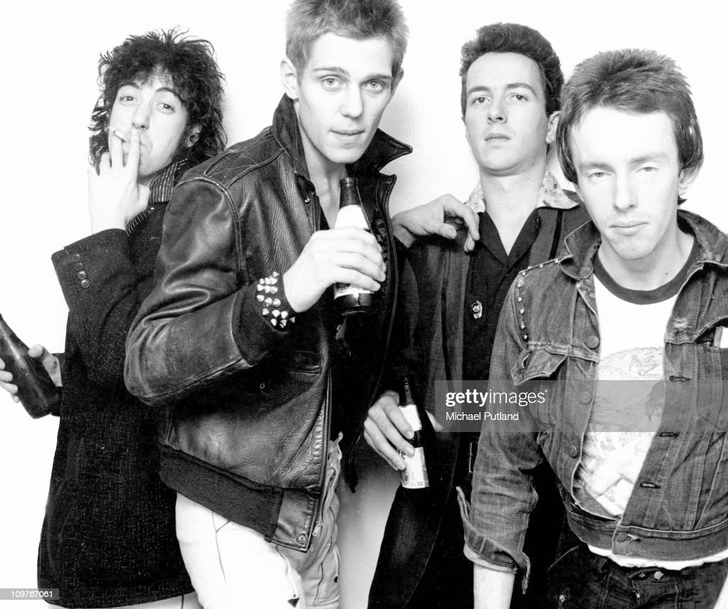 Guitarist <a gi-track='captionPersonalityLinkClicked' href=/galleries/search?phrase=Mick+Jones+-+Musician+-+The+Clash&family=editorial&specificpeople=212985 ng-click='$event.stopPropagation()'>Mick Jones</a>, bassist <a gi-track='captionPersonalityLinkClicked' href=/galleries/search?phrase=Paul+Simonon&family=editorial&specificpeople=216507 ng-click='$event.stopPropagation()'>Paul Simonon</a>, singer <a gi-track='captionPersonalityLinkClicked' href=/galleries/search?phrase=Joe+Strummer&family=editorial&specificpeople=226957 ng-click='$event.stopPropagation()'>Joe Strummer</a> (1952 - 2002) and drummer Nicky 'Topper' Headon of British punk group The Clash in New York in 1978.