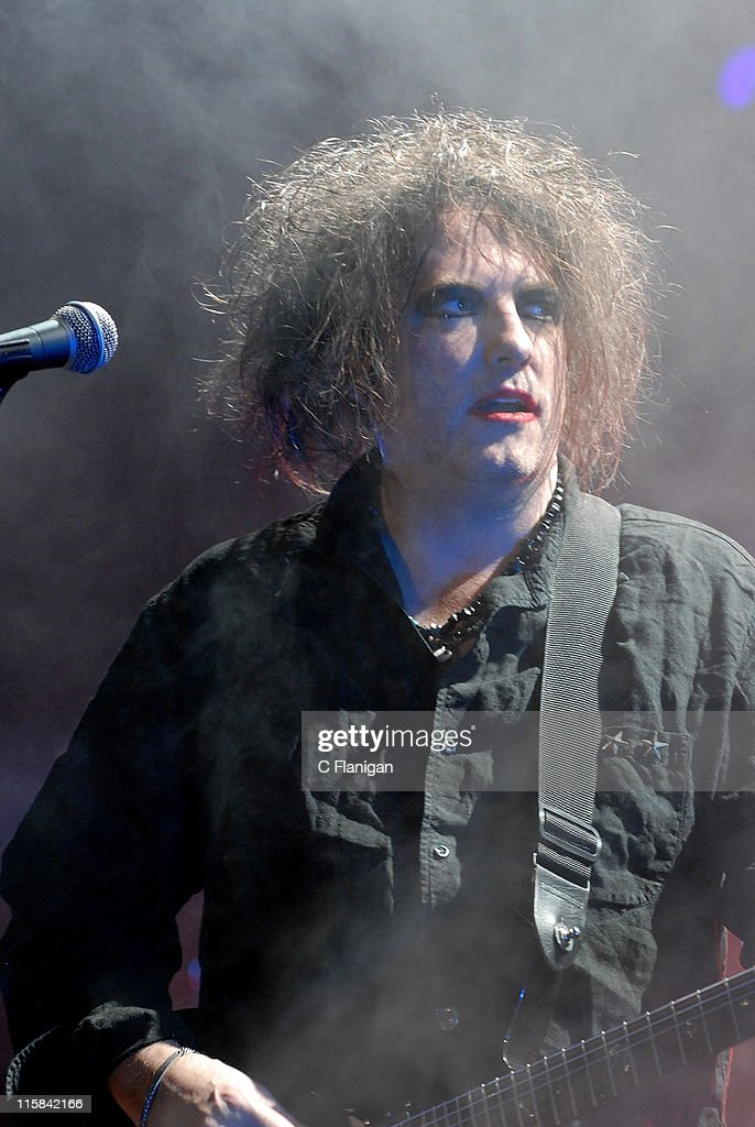 Guitarist/Vocalist Robert Smith of The Cure performs at The 2007 Download Festival at The Shoreline Amphitheatre in Mountain View, CA on October 6, 2007.