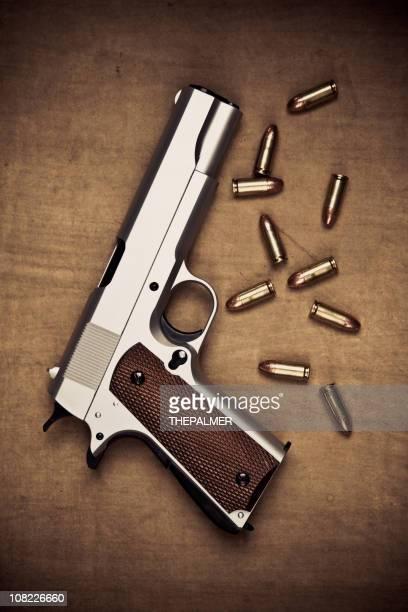 Waffe und Aufzählungspunkte