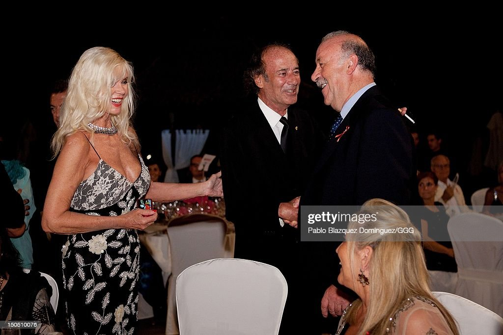 (L-R) Gunilla Von Bismarck, Luis Ortiz and Vicente del Bosque attend the Global Gift Gala held to raise benefits for Cesare Scariolo Foundation and Eva Longoria Foundation on August 19, 2012 in Marbella, Spain.