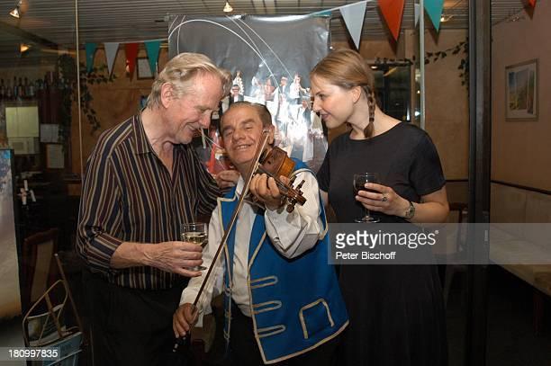 Gunnar Möller ungarischer Geiger Yvonne Ruprecht Geburtstagsfeier von Gunnar Möller München 2962003 Geburtstag ungarisches Restaurant feiern Feier...