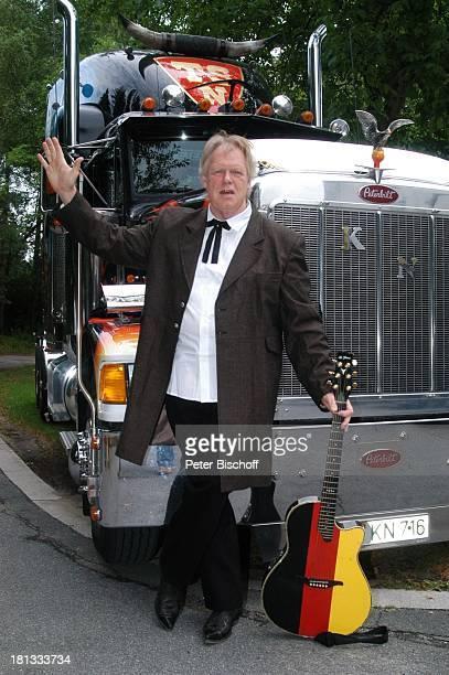 Gunter Gabriel Truck Store Niebel Schloß HolteStukenbrock Deutschland ProdNr 1113/2006 Gitarre amerikanischer Truck Gruß Countrysänger Sänger