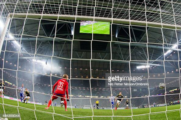 Gustav Engvall of IFK Goteborg scores 12 during the Allsvenskan match between AIK and IFK Goteborg at the Friends arena on October 26 2015 in Solna...