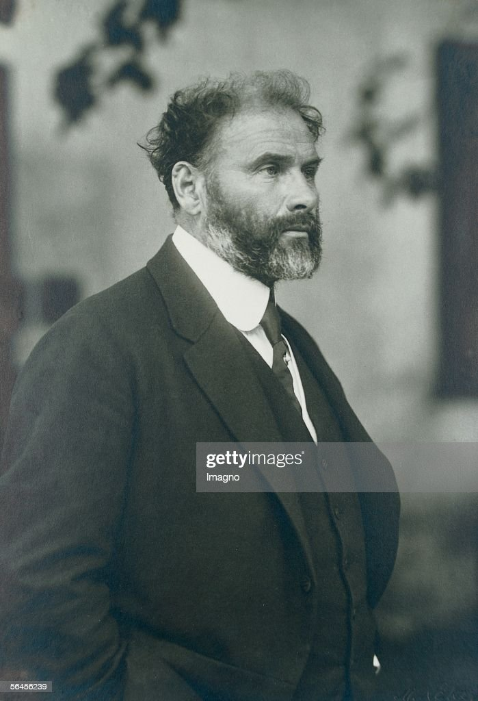 <a gi-track='captionPersonalityLinkClicked' href=/galleries/search?phrase=Gustav+Klimt&family=editorial&specificpeople=98921 ng-click='$event.stopPropagation()'>Gustav Klimt</a>, aged 55, one year before his death. One of the last photographies of Klimt. Photography by Moriz Naehr, 1917. (Photo by Imagno/Getty Images) [<a gi-track='captionPersonalityLinkClicked' href=/galleries/search?phrase=Gustav+Klimt&family=editorial&specificpeople=98921 ng-click='$event.stopPropagation()'>Gustav Klimt</a> im Alter von 55 Jahren, ein Jahr vor seinem Tod. Eine der letzten Aufnahmen Klimts. Photographie von Moriz Naehr, 1917.]