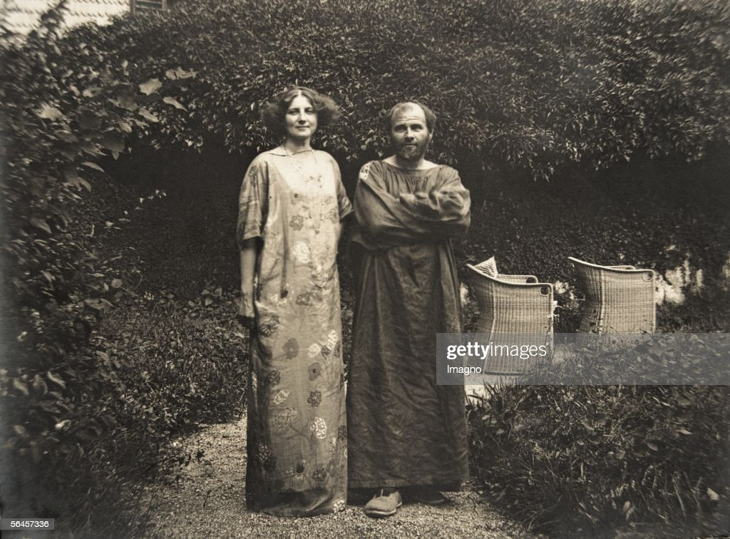 <a gi-track='captionPersonalityLinkClicked' href=/galleries/search?phrase=Gustav+Klimt&family=editorial&specificpeople=98921 ng-click='$event.stopPropagation()'>Gustav Klimt</a> and <a gi-track='captionPersonalityLinkClicked' href=/galleries/search?phrase=Emilie+Floege&family=editorial&specificpeople=2017051 ng-click='$event.stopPropagation()'>Emilie Floege</a> in a dress with floral pattern in the garden of the Oleander villa in Kammer at the Attersee lake. Photography, 1910. (Photo by Imagno/Getty Images) [<a gi-track='captionPersonalityLinkClicked' href=/galleries/search?phrase=Gustav+Klimt&family=editorial&specificpeople=98921 ng-click='$event.stopPropagation()'>Gustav Klimt</a> und <a gi-track='captionPersonalityLinkClicked' href=/galleries/search?phrase=Emilie+Floege&family=editorial&specificpeople=2017051 ng-click='$event.stopPropagation()'>Emilie Floege</a> in einem Reformkleid mit Blumenmuster im Garten der Oleander-Villa in Kammer am Attersee. Photographie, 1910.]