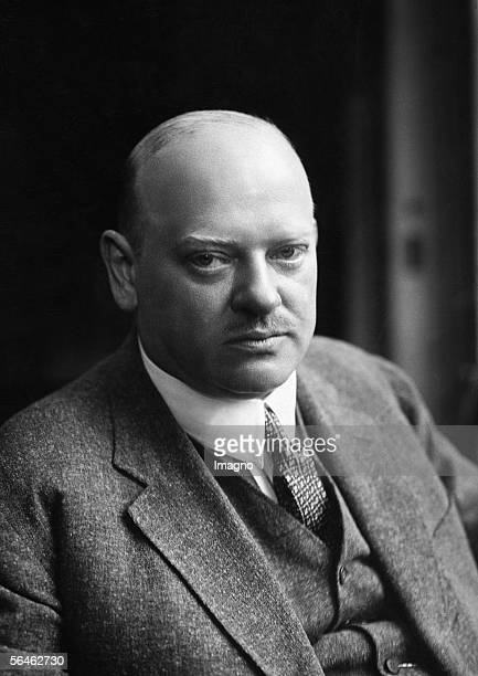 gustav stresemann Gustav 1878–1929, german statesman chancellor (1923) and foreign minister (1923–29) of the weimar republic he gained (1926) germany's admission to the league of nations and shared the nobel peace prize (1926) with aristide briand.