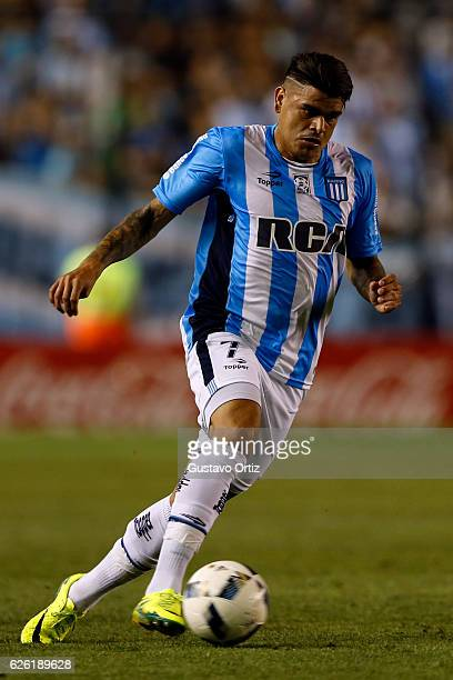 Gustavo Bou of Racing Club drives the ball during a match between Racing Club and Independiente as part of Torneo Primera Division 2016/17 at...