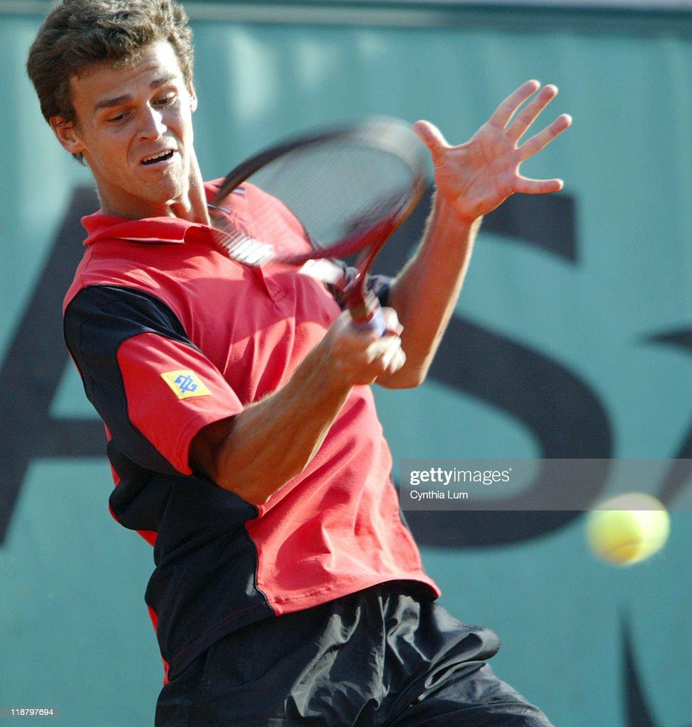 2004 French Open Men s First Round Gustavo Kuerten vs Nicolas