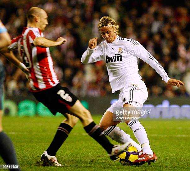 Guti of Real Madrid in action during the La Liga match between Bilbao and Real Madrid on January 16 2010 in Bilbao Spain