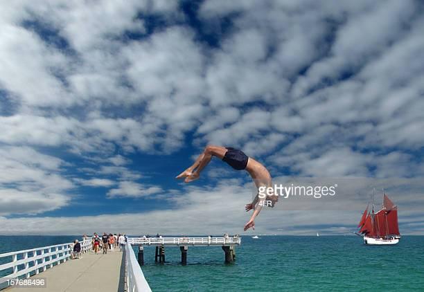 Guy Salto rückwärts auf einem pier