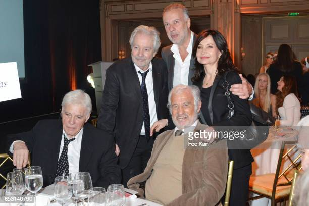 Guy Bedos Pierre Arditi a guest Evelyne Bouix and Jean Paul Belmondo attend 'La Recherche en Physiologie' Charity Gala at Four Seasons Hotel George V...