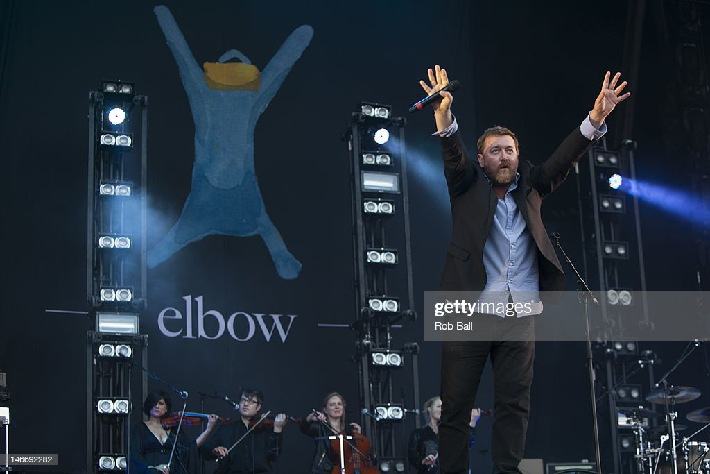 <a gi-track='captionPersonalityLinkClicked' href=/galleries/search?phrase=Guy+Garvey&family=editorial&specificpeople=224791 ng-click='$event.stopPropagation()'>Guy Garvey</a> from Elbow performs at the Isle Of Wight Festival at Seaclose Park on June 22, 2012 in Newport, Isle of Wight.
