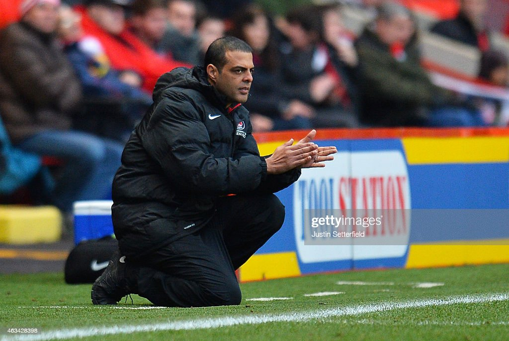 <a gi-track='captionPersonalityLinkClicked' href=/galleries/search?phrase=Guy+Luzon&family=editorial&specificpeople=4595259 ng-click='$event.stopPropagation()'>Guy Luzon</a> Manager of Charlton Athletic looks on during the Sky Bet Championship match between Charlton Athletic and Brentford at The Valley on February 14, 2015 in London, England.