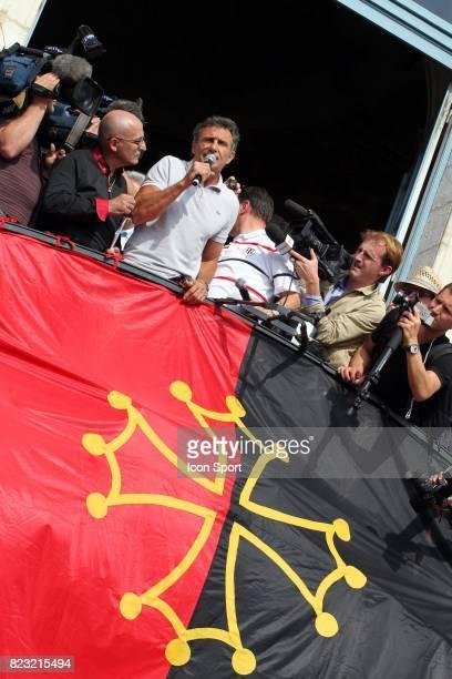 Guy NOVES Parade des joueurs de Toulouse apres leur victoire en finale du Top 14 Place du Capitole Toulouse