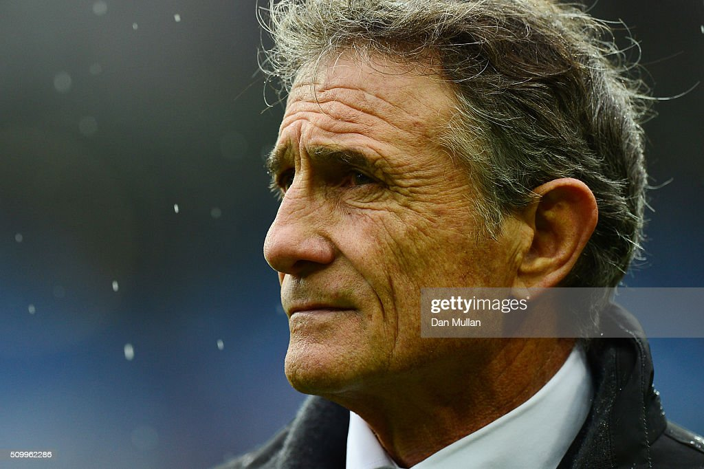 <a gi-track='captionPersonalityLinkClicked' href=/galleries/search?phrase=Guy+Noves&family=editorial&specificpeople=576406 ng-click='$event.stopPropagation()'>Guy Noves</a> the head coach of France looks on prior to kickoff during the RBS Six Nations match between France and Ireland at the Stade de France on February 13, 2016 in Paris, France.