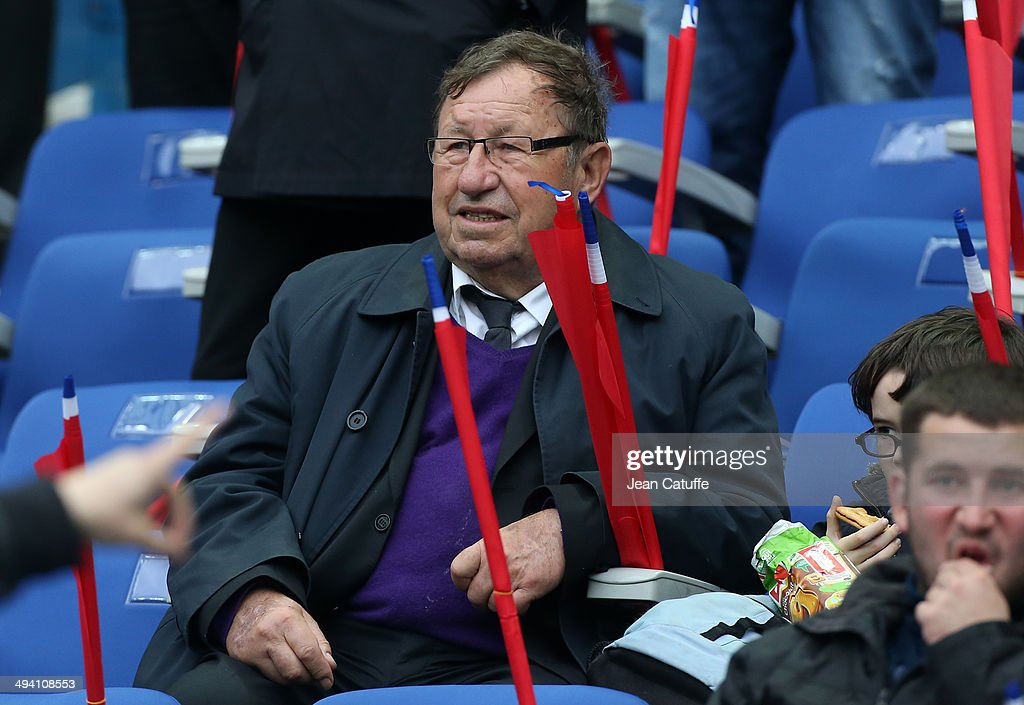 <a gi-track='captionPersonalityLinkClicked' href=/galleries/search?phrase=Guy+Roux&family=editorial&specificpeople=547872 ng-click='$event.stopPropagation()'>Guy Roux</a> attends the international friendly match between France and Norway at Stade de France on May 27, 2014 in Saint-Denis near Paris, France.