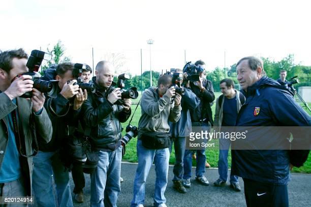 Guy ROUX et les Medias Reprise de l'entrainement du RC Lens La Gaillette Avion Saison 2007/2008