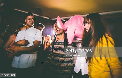 ギィ、バニーヘッドで、ご友人とのパーティ