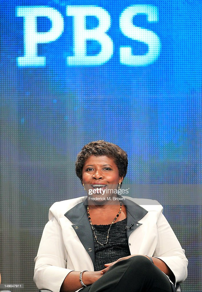 Gwen Ifill Washington Week PBS NewsHour speaks onstage at the 39;PBS